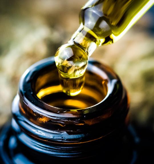 MCT o aceite de cáñamo con destilado - natural - aceite con CBD